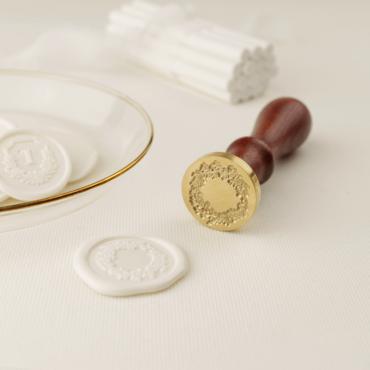 Sello de lacre Corona para diseños de papelería románticos.