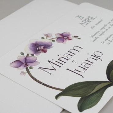 invitacion de boda original. invitacion con flores de acuarela de orquideas. invitacion con sobre blanco modelo Bali