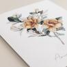 detalle invitación de boda original. Invitación con flores de acuerala. Invitación con veladura de papel vegetal Alej. II