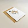 Invitación de boda sobre ocre. Invitación con flores de acuerala. Alej. II