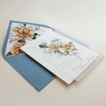 Invitación boda con flores acuarela. Invitacion papel vegetal. Veladura papel vegetal. Sobre forrado invitación azul. Alej V