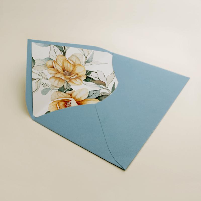 sobre forrado para invitacion. sobre forrado con estampado floral. sobre azul RAF para invitación. Mod Alejandría