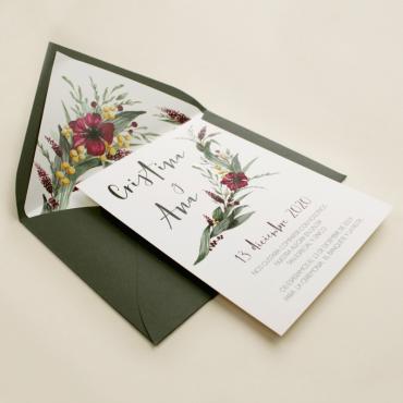 invitacion para bodas silvestres. invitacion con sobre forrado verde. veladura de papel vegetal para invitacion . Niza