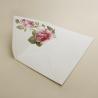 sobre forrado blanco con flores de acuarela rosas. sobre de invitación Estambull